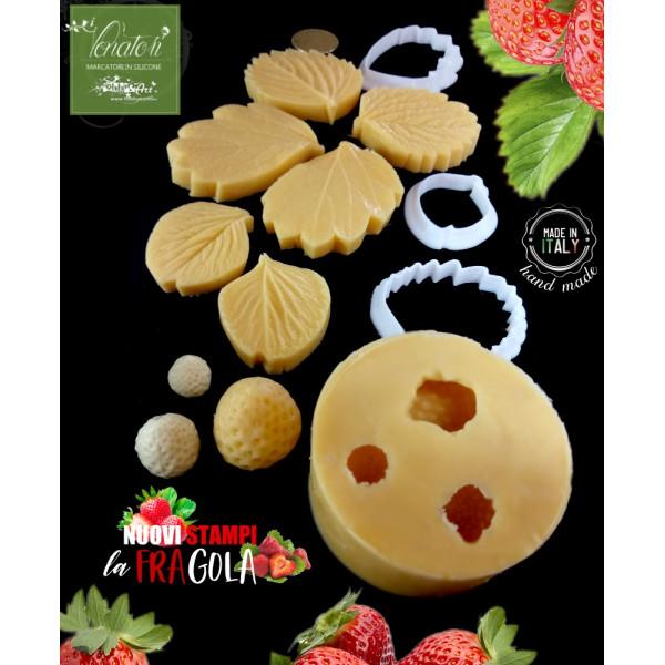 Venatore in silicone FRAGOLE 3 Frutti + 3 foglie con cutter abbinati - ITA