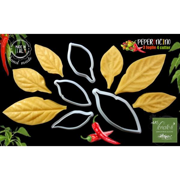Venatore in silicone 3 foglie di Peperoncino e 4 cutter tagliapasta - ITA